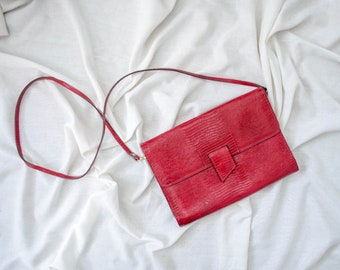 red crossbody bag | red cross body purse | faux leather purse | vegan leather purse | envelope purse | cherry red purse | convertible clutch