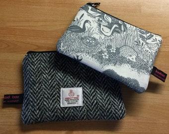 Small coin purse, grey herringbone Harris Tweed, zipper coin pouch, makower fabric, teacher gift, stocking filler