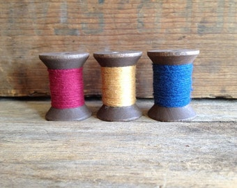 Vintage Wooden Hourglass Spools w/Cotton Thread.  Set of three (3). Old Spools. Vintage Wood Spools. Vintage Sewing Spools.