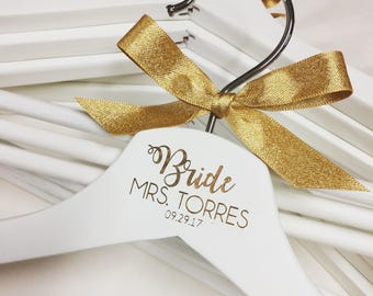 Personalised gold wedding hangers, Bridal party hangers, personalised hangers, wedding dress, gift for the bride, wedding accessories,