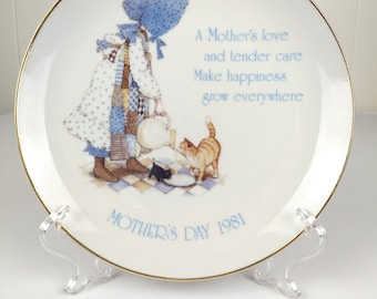1981 Holly Hobbie Mother's Day Commemorative Edition Collector's Plate | A Mother's Love | Collectible Plate | Blue | The Family Woodshop