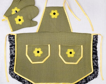 Kitchen apron for women with 2 gloves/handmade