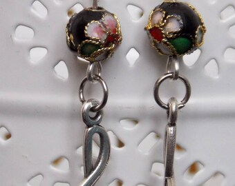 Music - black and pink beads earrings