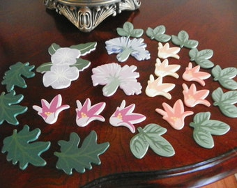 24 painted floral wooden shapes