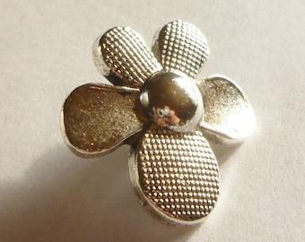 Metal Flower Button - Shank Buttons - Flower Buttons - Silver Flower Buttons - Wrap Bracelet Button - Button Clasp - Antique Silver - Daisy
