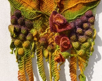 Macrame Wall Hanging Art 'Grapevine Gardens', handmade with hemp string