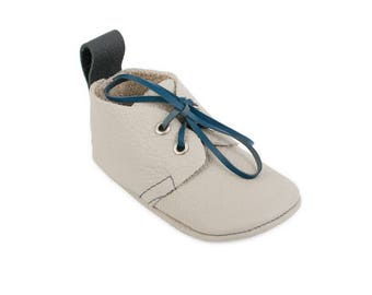 Leather baby shoes / Lace ups / Australian handmade baby shoes / Eco-friendly rescued leather / Feet shaped barefoot moccasins