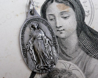 DELICATE MIRACULOUS MEDAL Vintage Religious French