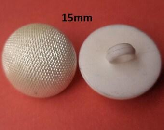 13 buttons 15 mm Cream White (1393) White