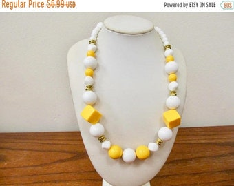 On Sale Vintage Yellow and White Plastic Beaded Necklace Item K # 60