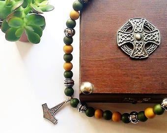 Fantastic Necklace: Thor's hammer