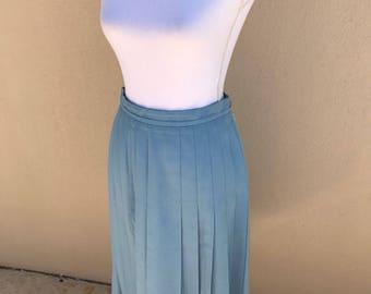 1970s Fletcher Jones robins egg blue pleated skirt 26-27W 26.5L