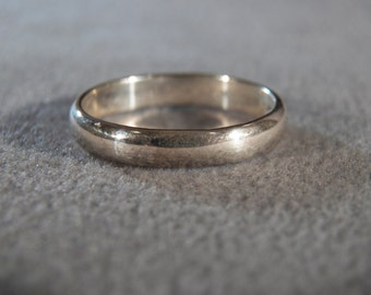 Vintage Sterling Silver Smooth Domed Classic Wedding Band Ring, Size 7