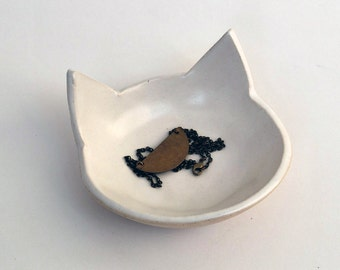 White Cat Bowl - Ceramic, Pottery - Handmade, Cat Food Bowl, Candy Dish, Jewelry Dish, Key Holder - Lauren Sumner Pottery