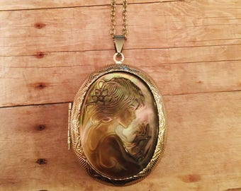 Mother of Pearl Cameo Locket