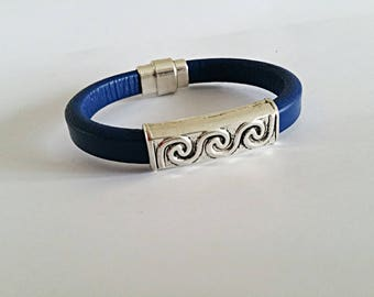 Blue Man (or woman) thick leather with silver plated magnetic clasp bracelet