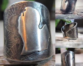 Custom Leeward Designs Signature Petoskey Michigan Ring