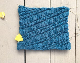 One Row Cowl - a loom knit pattern