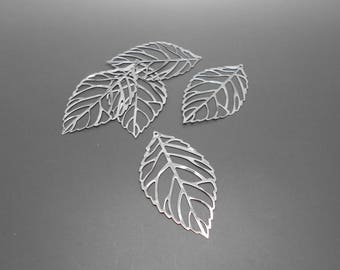prints 5 leaves silver 51 x 31 mm