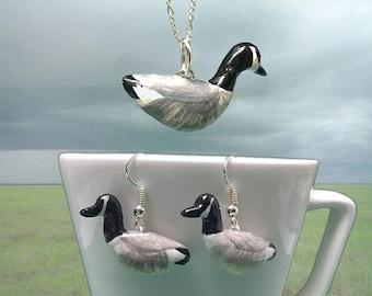 Canada Goose set of earrings and pendant (Branta canadensis)