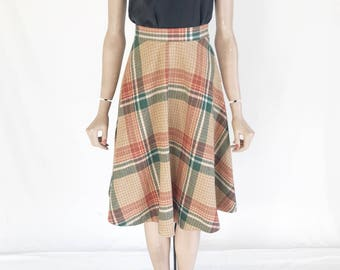 Vintage 70's Plaid Wool Skirt. Size Small