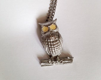 Vintage Silver Tone Metal Owl Pendant Necklace with Yellow Eyes