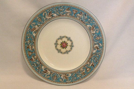 """FREE SHIPPING-Fabulous-Vintage-Wedgwood-Bone China-Florentine-Turquoise-Dragon-Made In England-10 3/4""""-W2714-Dinner Plate"""