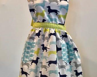 daushand apron, girls apron, dog apron