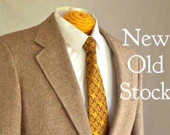Dead stock vintage Austin Reed Tweed Sport Coat with Elbow Patches & Leather Buttons