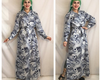 Vintage 1970's Blue and White Floral Long Sleeve Maxi Dress