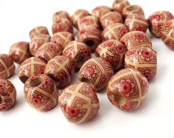 Perles rondes en bois naturel avec motif marron et fleurs 12x11mm - 30 unités