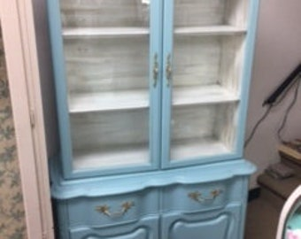 Small French Provincial Hutch~~ Display Case ~~ China Cabinet~~Book Case
