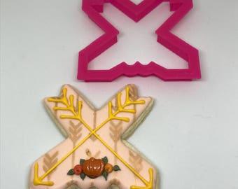 Crossed Arrows Cookie Cutter
