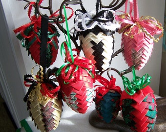 """Vintage 70's """"PLEATED PINE CONE"""" Lot 10 Ornaments Handmade"""