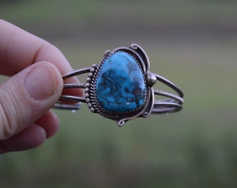 Vintage Navajo turquoise sterling silver cuff - old pawn