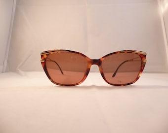 YSL Vintage Sunglasses cateye tortoise frames 80s  Yves Saint Laurent Pre-Owned