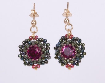 14K Gold Filled Stud Earrings with Fuchsia Swarovski Crystal Stone and Dark Green Seed Beads. Round Beadwoven Crystal Earrings. S104