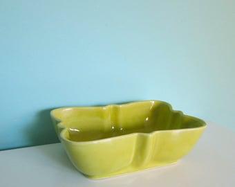 Chartreuse Planter, Bow Tie Planter, Mid Century Planter, Chartreuse Green Planter, Retro Catch All, Organizer, Bowl, USA Pottery, UPCO