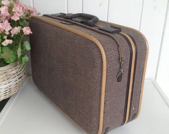 "Skyway USA Tweed Luggage Suitcase Golden Brown Black Interior Combination Lock Great Extra Storage w Wheels 21"" x 14 x 9"" w Pull Handle"
