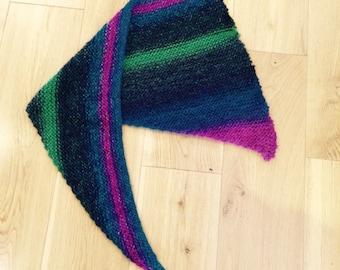Triangular scarf shawlette