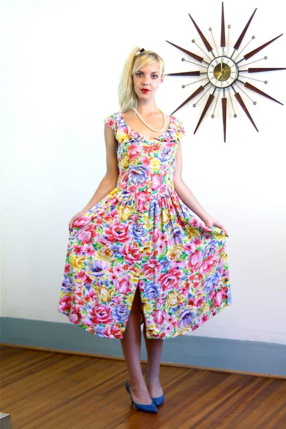 Vintage 80s Bright Floral Dress Yellow Blue Pink White Flower Print Ruffle Neck Drop Waist Full Skirt 1980s Retro Flower Pattern Frock