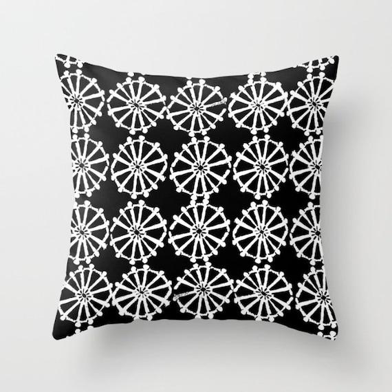 OUTDOOR Throw Pillow . Black and White Outdoor Pillow . Black patio cushion . Modern Geometric Pillow Wheel . 16 18 20 inch . Lumbar Pillow