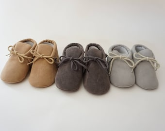 Baby shoes, baby moccasins, crib shoes, birthday shoes, baby shower gift, baby moccs, toddler shoes