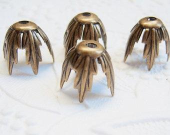 4 -Antique brass leaf bead caps - CF167