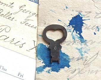 1 Vintage heart skeleton keys Antique heart key Heart key Skeleton heart key Key to my heart Bride gift Sweetheart gift Love gift HK #25