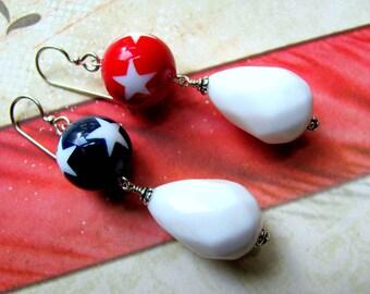 Red White Blue Earrings, Vintage Earrings, Star Earrings, Fourth of July Earrings, July 4th Earrings, Lucite Earrings, Patriotic Earrings