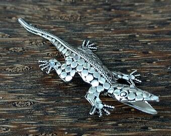 Sterling Silver Balinese Brooch Pin