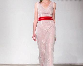White Lace Wedding Gown/V-neck White Lace Wedding Dress/Bridal Gown/Upcycled Wedding Dress/Alternative Wedding Dress