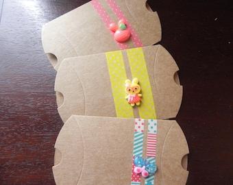SPIRIT hug: 3 cartons cardboard and decorated measuring 9 cm x 7 cm