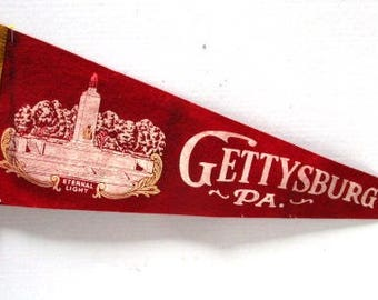 Ex Lrg Vintage Pennant Souvenir Gettysburg PA Eternal Light, Tourist Travel Family Vacation, Red white pink, Upcycle Craft, Felt Flag